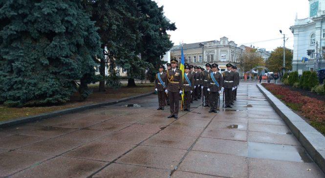 У Житомирі на майдані Корольова вже розпочалися урочистості з нагоди дня захисника України